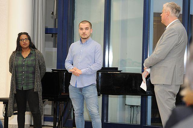 Kanzler Jan Peter Nonnenkamp begrüßt die neuen Azubis