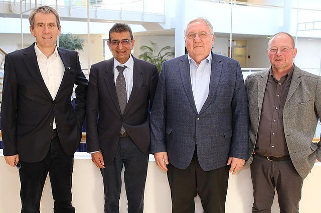 Prof. Dr. Martin Butzlaff (Präsident UW/H), Dr. Amin Velji (KIT, Karlsruhe), Prof. Winfried Pinninghoff und Prof. Dr. Claus Volkenandt (UW/H)