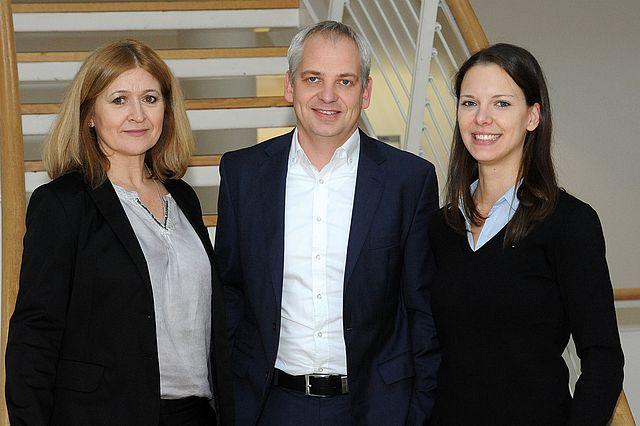 Foto: Lehrstuhlinhaber Michael Steiner, Sekretärin Suzana Filko und wissenschaftliche Mitarbeiterin Lara Marzinek.