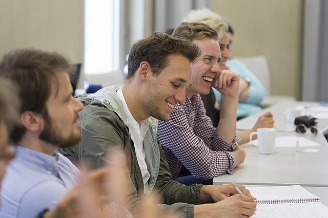 Studierende der UW/H sind mit ihrem Studium überdurchschnittlich zufrieden