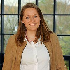 Dr. Nadine Gerhardt