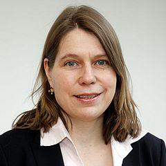 Julia Genz