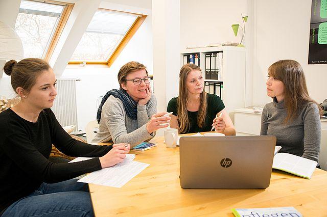 Seminarszene der Pflegewissenschaft an der Universität Witten/Herdecke