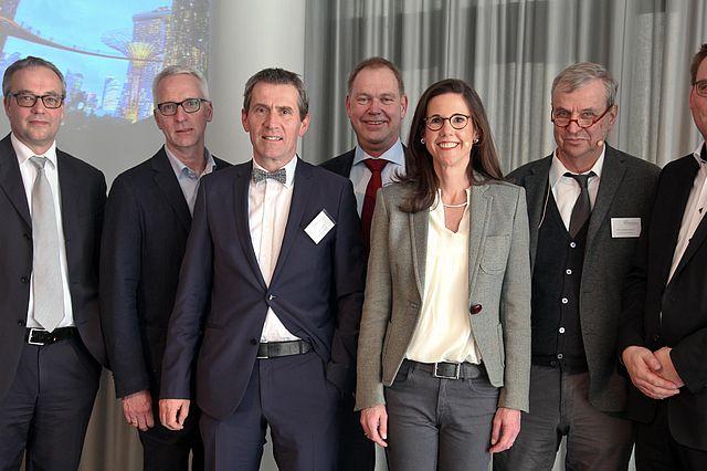 Jens Beckert, Roland Auschel, Martin Butzlaff, Aart De Geus, Corinna Egerer, Günther Ortmann, Guido Möllering (v.l., Foto: Thomas Witte)