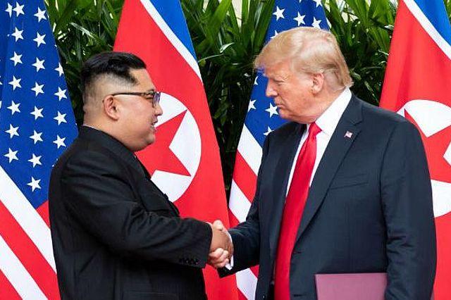 Kim_and_Trump_Official_White_House_Photo_by_Shealah_Craighead__small_.jpg