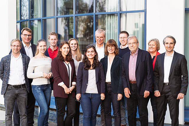 Das Team des Reinhard-Mohn-Instituts