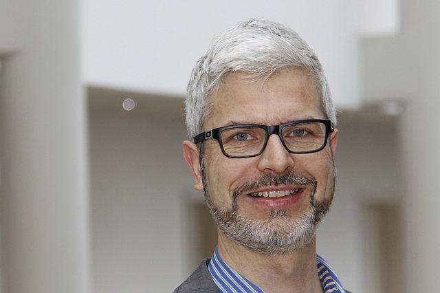Prof. Dr. Tobias Esch