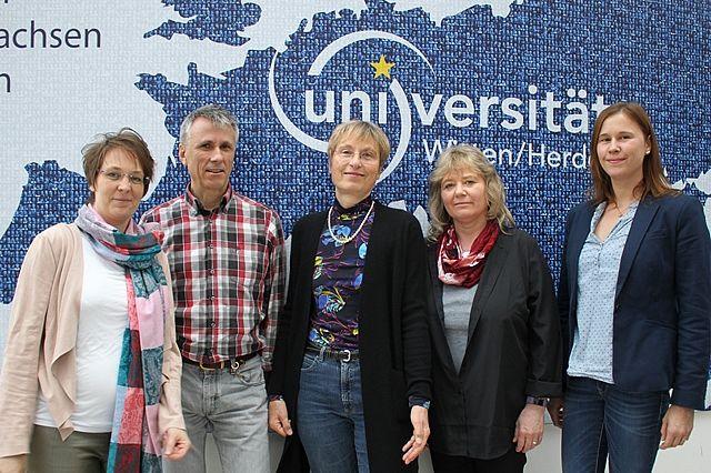 Prof. Dr. Ulrike Höhmann und das Team des Lehrstuhls