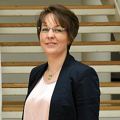 Dr. Helen Güther