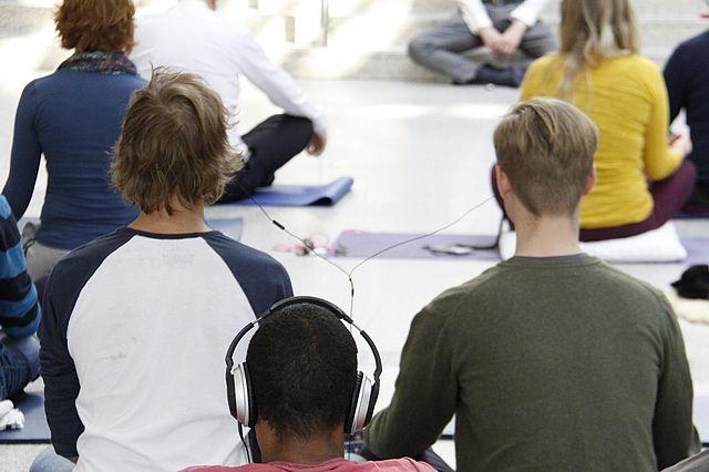 Studenten_Meditation.JPG