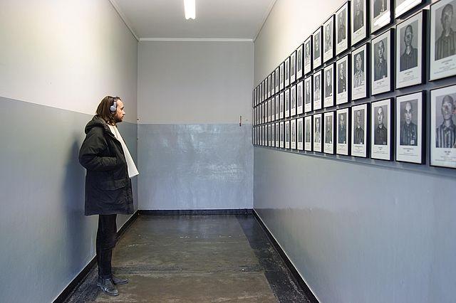 Auschwitz1klein.jpg