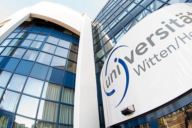 Masterstudium Pflegewissenschaft der Uni Witten/Herdecke digital kennenlernen