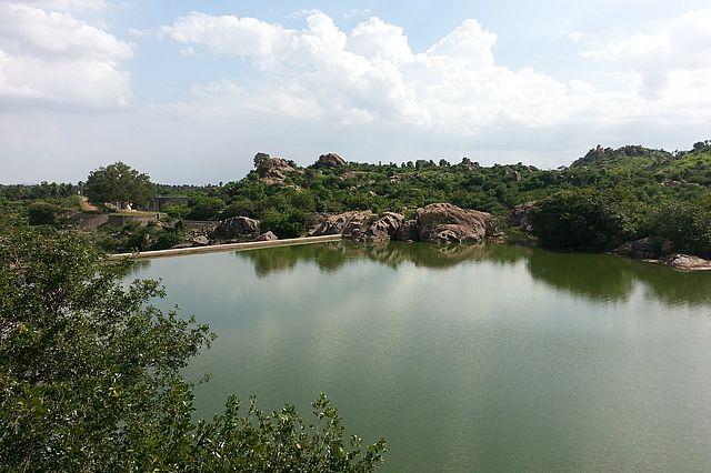 Die Hauptwasserquelle von Tiruvannamalai ist das Oberflächenwasser aus dem Then-Pennaiyar-Fluss. Foto: Strömer