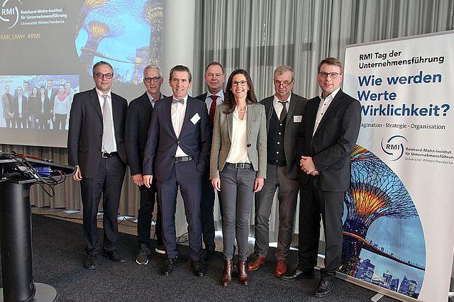 Referenten und Moderatorin am RMI Tag der Unternehmensführung
