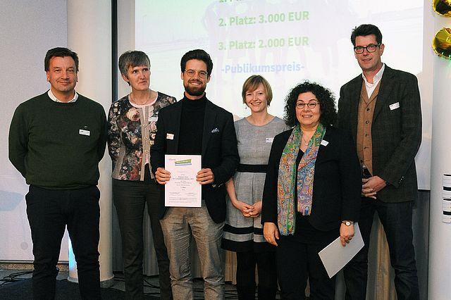 Die Jury des Wettbwerbs: Stephan Kohorst, Karen Walkenhorst, Alexander Rötger (1.Preis), Prof. Dr. Sabine Bohnet-Joschko, Harm van Maanen