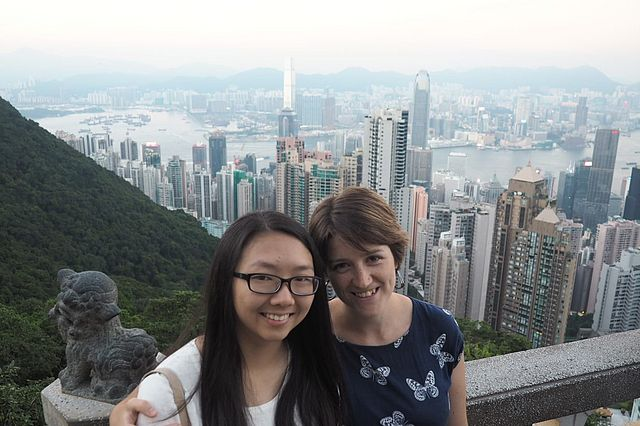 3.9._Leo_and_Charis_in_Hong_Kong.jpg