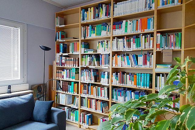 Fachbibliothek Komplementärmedizin im Gebäude des Gemeinschaftskrankenhauses in Herdecke