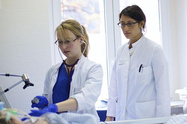 Studierende gestalten das Gesundheitswesen mit - ein Zukunftsmodell?