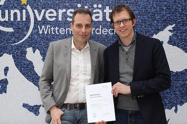 Prof. Thomas Ostermann und Robin Siegel