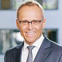 Dr. Hon.-Prof. Rainer Strack