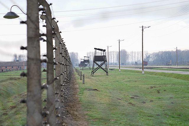Auschwitz4klein.jpg