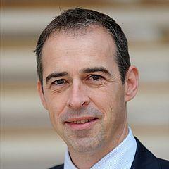 Prof. Dr. Dr. Andree Piwowarczyk, Leiter der Abteilung für Zahnärztliche Prothetik und Dentale Technologie