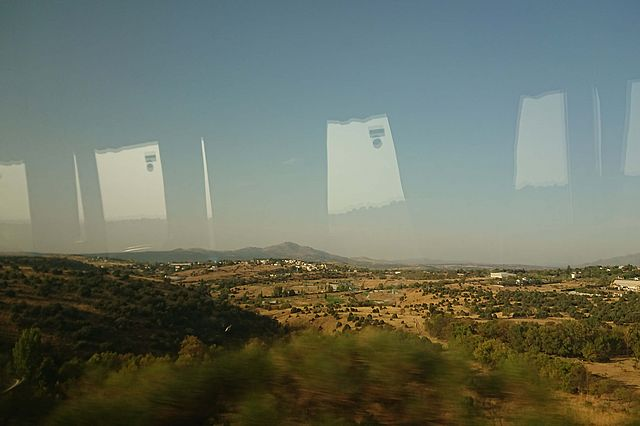 2.2._Comp_Phine_s_view_out_of_the_bus_in_central_Spain.JPG