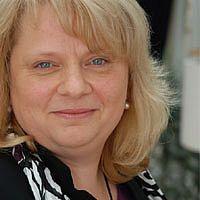 Dr. Monika Olivo