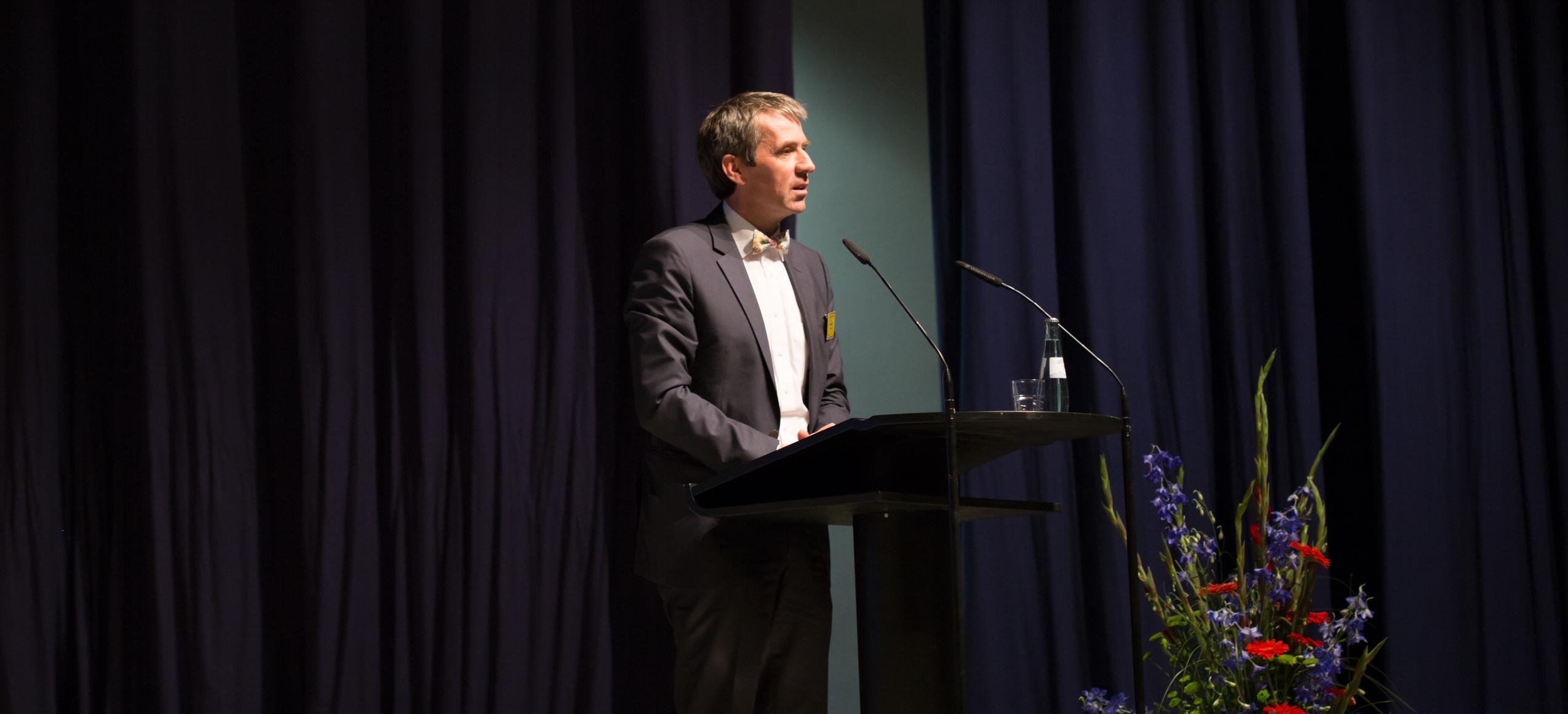 Prof. Martin Butzlaff